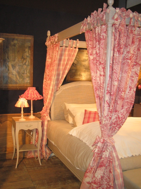 Meubles rouchon salon du meuble en 2007 et 2008 - Salon du meuble paris ...
